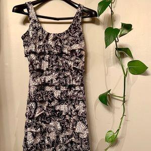 3/30$ Fun patterned ruffle summer dress small